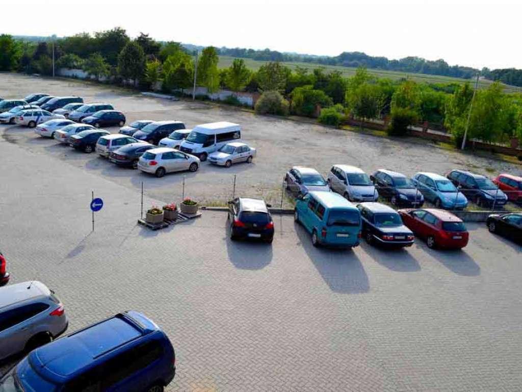 Reptéri parkoló